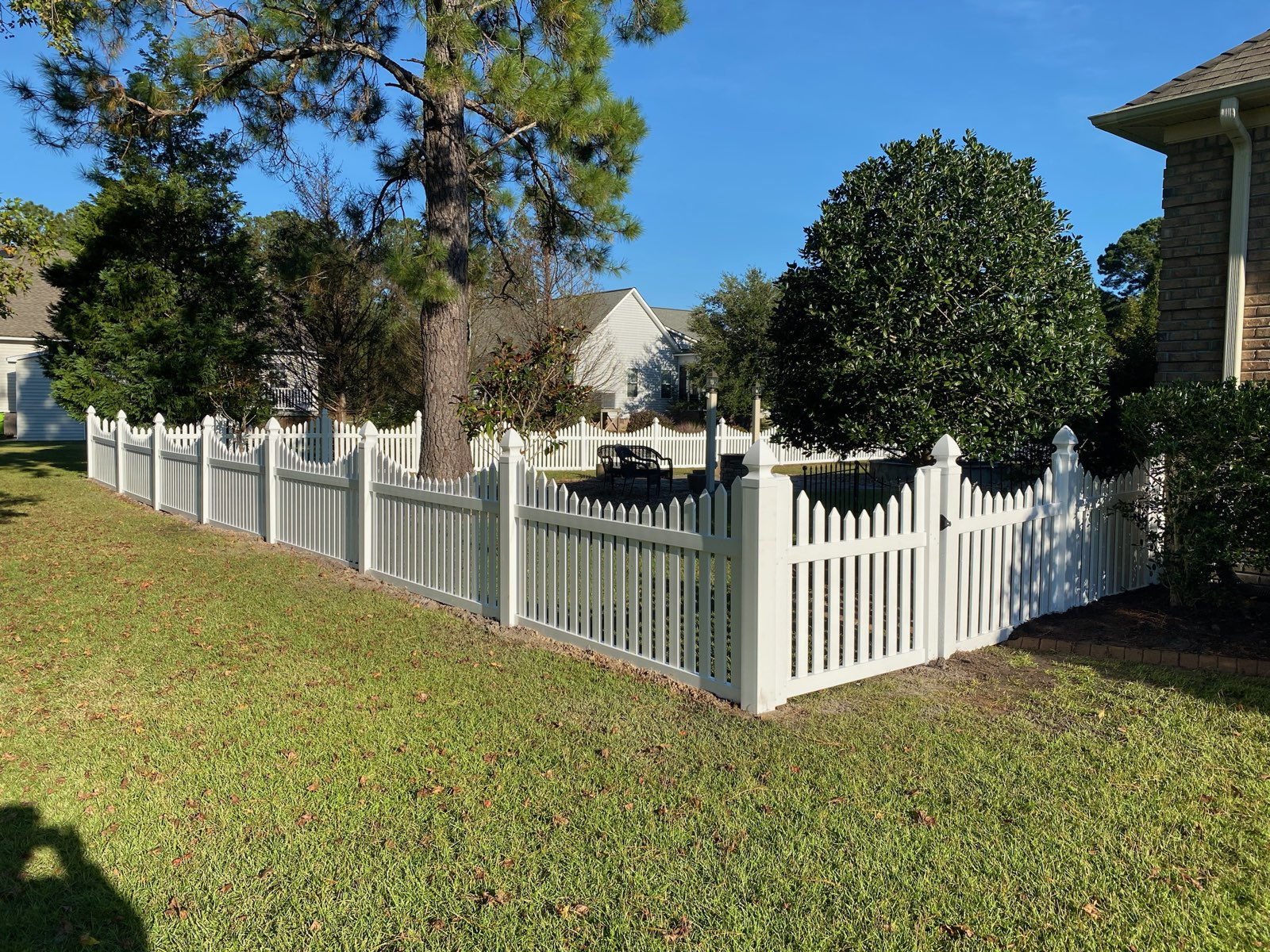 Curved Vinyl Fence